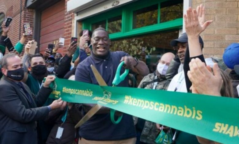 Photo of Así fue la inauguración del dispensario de Shawn Kemp en Seattle