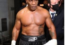 Photo of Mike Tyson fumó un porro antes de pelear con Roy Jones